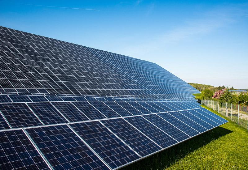 Progettazione e installazione impianti fotovoltaici con batterie  di accumulo e senza